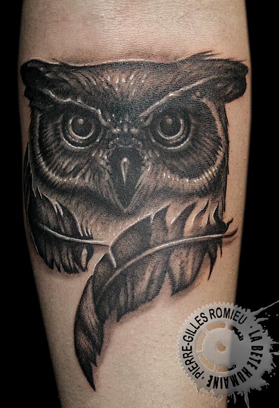 source, tatouage bras chouette par pierre-gilles romieu
