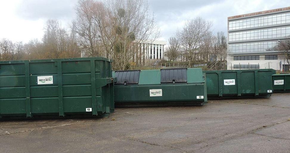 bennes à déchets et à gravats