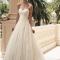 Le choix d'une robe de mariée et d'un costume de mariage