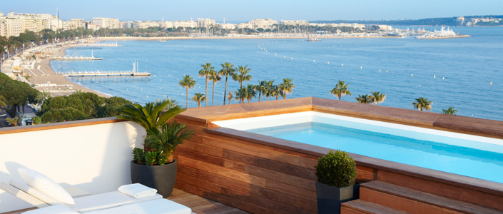 terrasse avec piscine cote d'azur