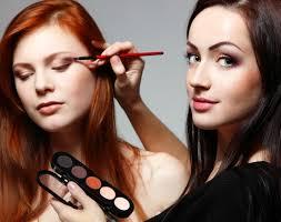 Trouver une formation en maquillage professionnel