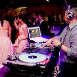 Quelle animation musicale pour mon mariage : un DJ ou un orchestre ?