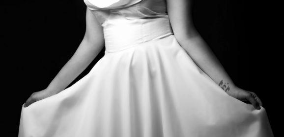 Les robes de soirées courtes sont chics et tendances